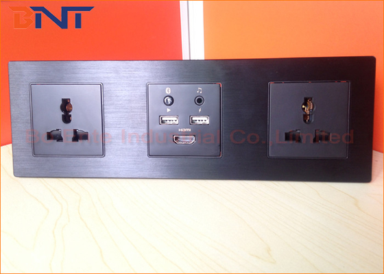 China Smart Media Hub With Bluetooth , Multi Function Wall Socket Plates supplier