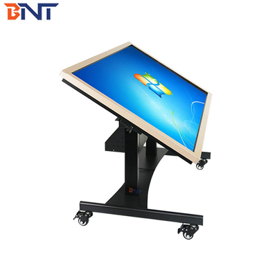 China 90 degree overturn angle  turning type suitable for  46-75 inch advertising machine tv mobile bracket supplier